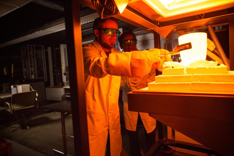 Glass supercapactors